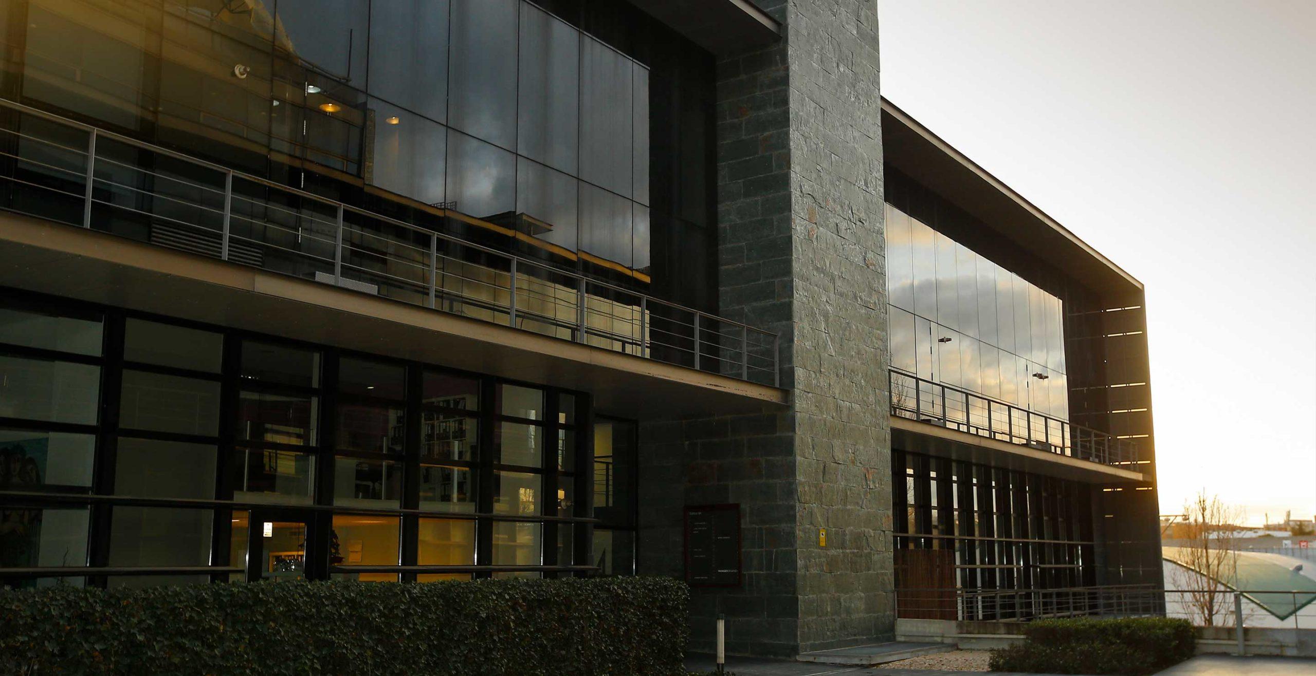 Oficinas de Medis Grupo parte exterior del edificio