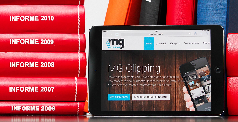 Tablet con la landing page de la herramienta MG Clipping