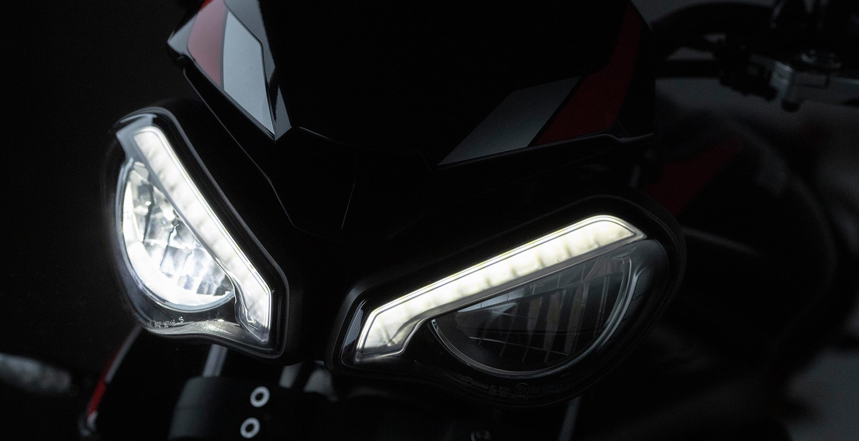 Faros LED de la Triumph Street Triple R 2020