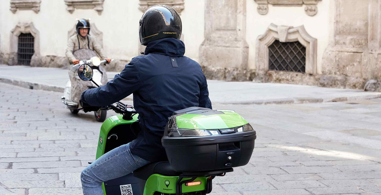 Motorista con chaqueta Brera de Tucano Urbano