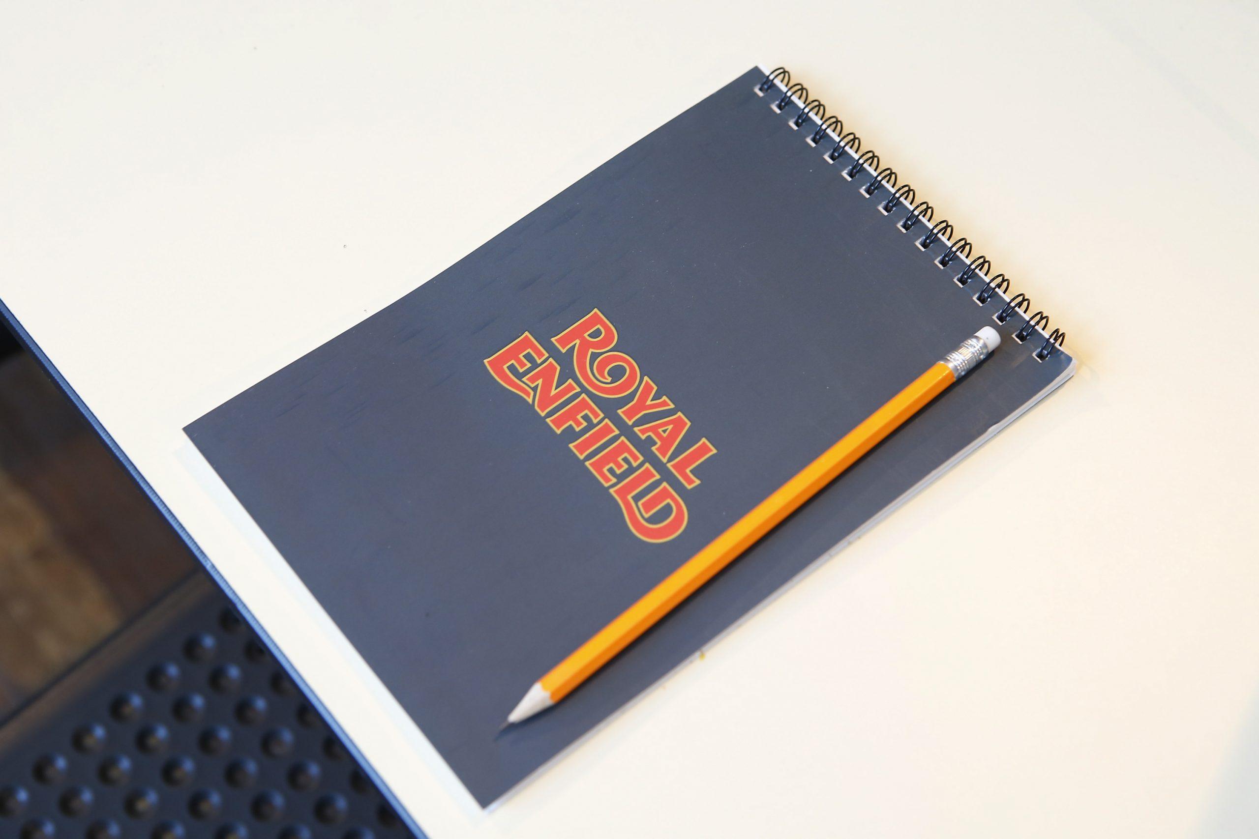 Foto portada cuaderno Royal Enfield