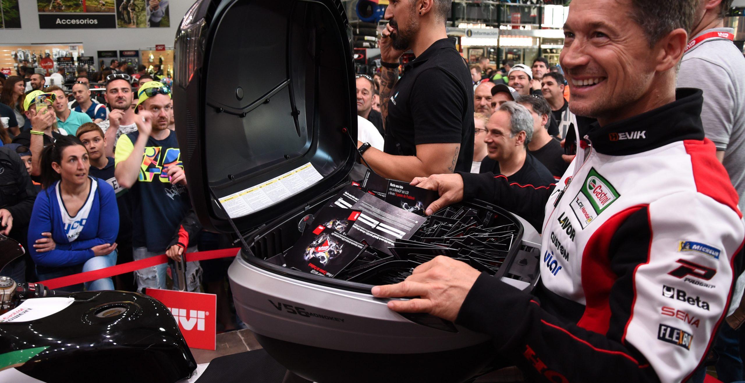 Lucio Cecchinello durante la celebración del sorteo de dos entradas de paddock con GIVI durante la celebración del Gran Premio de Motociclismo de Jerez 2019